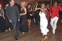 Velmi oblíbeným je ples města Kladna, při které nechybí ani výuka tance profesionály.