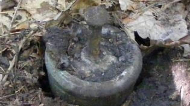 Nalezený předmět mohl připomínat minu, jednalo se ale patrně o součást nějakého stroje.