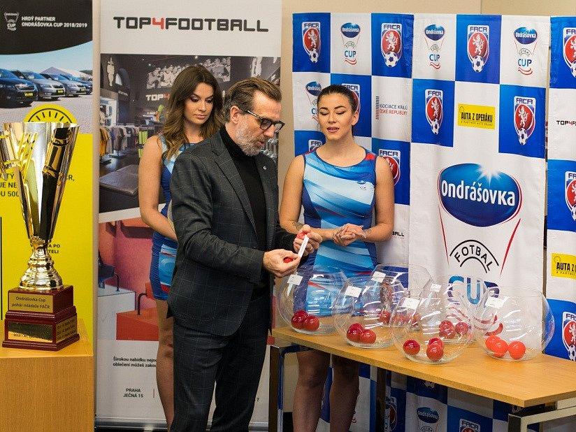 Losování Ondrášovka Cupu 2020. Karel Poborský