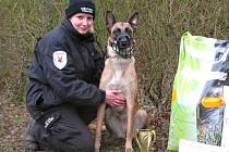 ELIŠKA Hořejší se svým psím kolegou