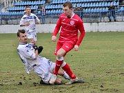 Kladno (v bílém) porazilo Štětí až po penaltách. Vlevo Marek Tóth