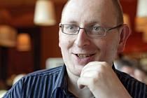 Učitel laického buddhismu Jakub Kadlec.