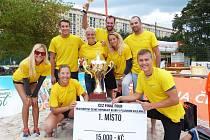 Vavřinec Kladno slaví, stal se historicky prvním mistrem republiky beachvolejbalových týmů.
