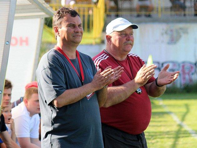 Fotbalový trenér Miroslav Supáček (vpravo).