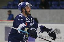 Vítězslav Bílek zdraví fanklub // Rytíři Kladno – HC Slovan Ústí nad Labem 6:2 , WSM liga LH, 11.11. 2015