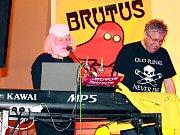 Kapela Brutus ve Slaném-Kvíčku v sokolovně