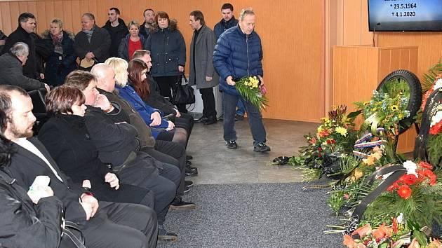 Pohřeb bývalého skvělého plochodrážního reprezentanta Romana Matouška.