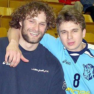 Kapitán volejbalistů Kladna Bořek Fokt (vlevo), ve čtvrtek povede svůj tým do bitvy s Ostravou s červeným diplomem v kapse.