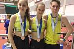 Medailisté AC tepo Kladno: zleva Tereza Lamačová, Tereza Vlková a Tomáš Dvořák