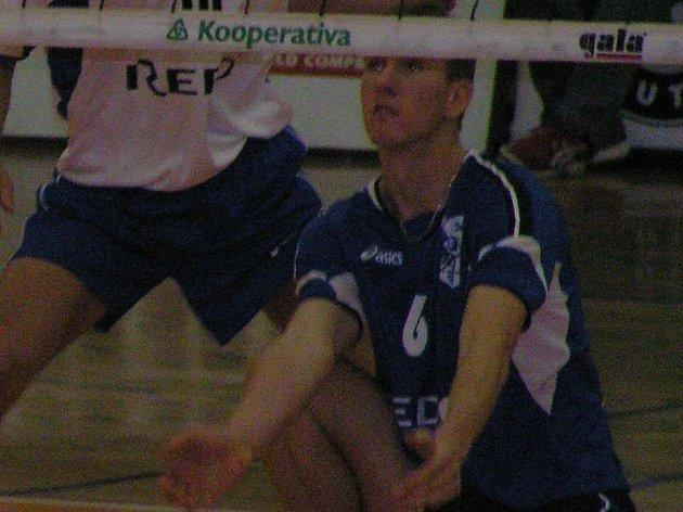 Talentovaný smečař Karel Linz přispěl k triumfu Kladna v Ústí výtečným výkonem na přihrávce i pokládce míče.