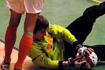 Pavel Manda je znám spíše z futsalu, při zranění Kohouta se ale pro jaro stal braškovskou jediničkou. Zahájil výtečně, v Tuchoměřicích dostal jediný gól.