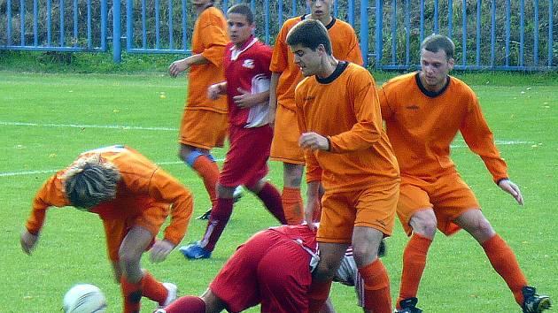 Novo se těžko prosazovalo přes urputnou obranu Sparty, která v derby vyhrála 1:0.