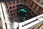 Oprava potrubí u vodovodu na Mělnicku, který zásobuje i Kladensko a část Prahy.