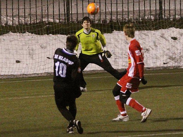 SK Kladno a FK Králův Dvůr sehrály 2. února 2011 za mrazivého počasí utkání Vyšehrad cupu...