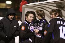 Kladenská lavička// SK Kladno : FK Králův Dvůr 2:1 (1:1), utkání Vyšehrad cup 2011, hráno 2.2.2011
