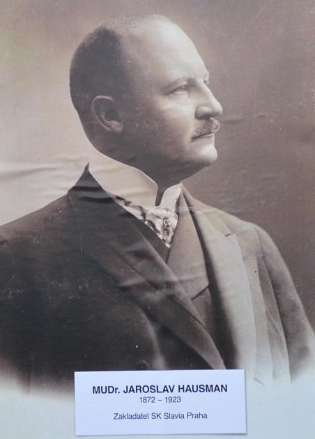 Jaroslav Hausman.
