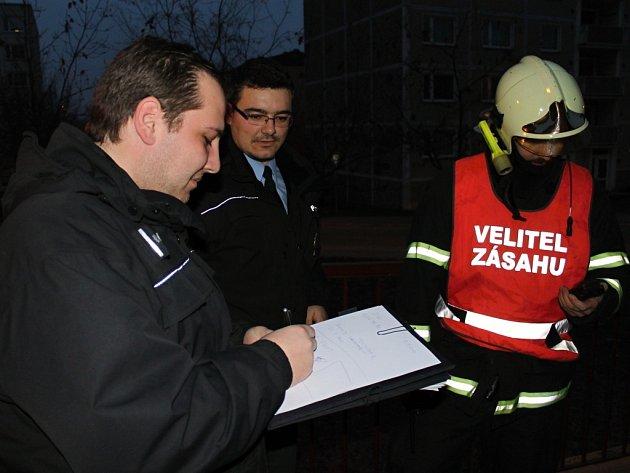 Prasklý rozvod horké vody potrápil obyvatele sídliště ve Slaném i ... b200bd3825