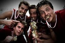 Tým Usurpators v letošní sezoně vládne českému streetballu.