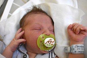 VÍTEK ČERNOHUBÝ, STOCHOV. Narodil se 13. března 2018. Po porodu vážil 3,58 kg a měřil 50cm. Rodiče jsou Denisa Veinarová a Michal Černohubý. (porodnice Kladno)