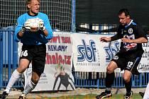 Z ligového fotbalového utkání SK Kladno - FC Slovan Liberec.