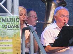 Poslední červencový pátek se představila kapela Dvořačka, jako hosté zpívali Jiří Škvára a Vráťa Velek.