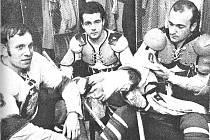 Slavná formace (zprava) Josef Vimmer - Jindřich Karas - Jindřich Lidický