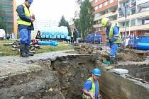 PODOBNĚ VELKÁ ODSTÁVKA VODY se už v minulém týdnu dotkla tisíců obyvatel kladenských Kročehlav.