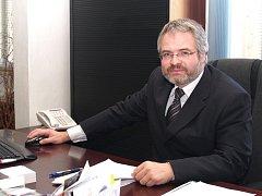 FUNKCI PRIMÁTORA KLADNA zastával Dan Jiránek deset let. Nyní místo za stůl prvního muže radnice usedne do opozičních lavic. Poprvé od roku 1994 občanští demokraté komunální volby v největším středočeském městě nevyhráli.