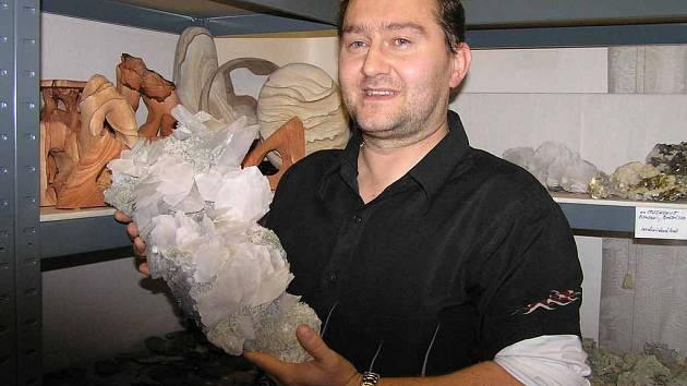 Jiří Špalek z Kladna má ve sbírce tisíce kamenů, které dokážou  potěšit, jiné prý mají léčivou moc.