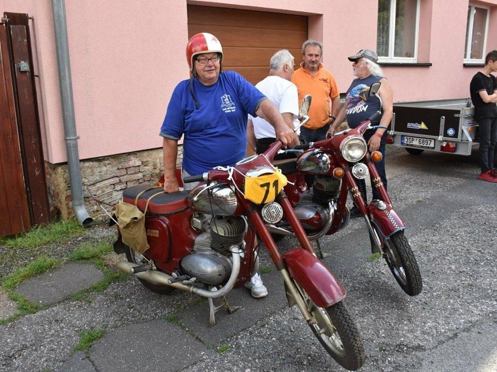 Z jízdy do vrchu Knovíz - Olšany.