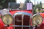 Padesát čtyři historických vozidel se zúčastnilo sobnotní Jízdy do vrchu.