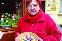 Jarmila Vacková z Kladna vyrábí kraslice od svých dvanácti let.