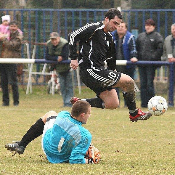 FC Velká Dobrá - SK Lhota  hráno hráno 28.3.09
