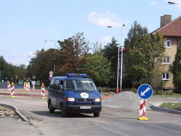 Policisté projeli místem, kde je zákaz ze všech směrů, bez zapnutých majáků.