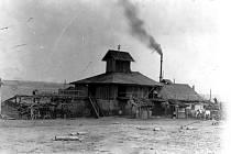 Důl Emilie, z jehož hloubením v roce 1899 Jindřich Marek. Po čtyřech letech byl důl zrušen.