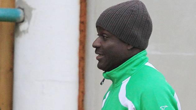 Chuck Onu-Nsii - hocha čeká soustředění v Peci pod Sněžkou a běžky