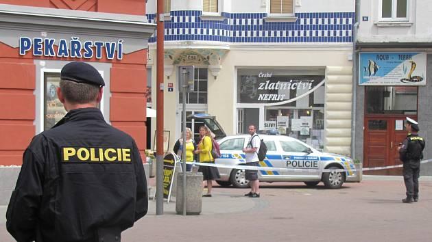 Anonym nahlásil uložení dvou bomb na kladenské pěší zóně.
