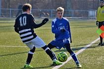 Weber Cup 2019 na Aritmě. Dorost Kladna (v modrém) se utkal s dorostem Admiry.