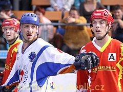 Michal Trčka (vlevo) ještě v dresu Alpiqu, teď se postaví poprvé proti němu