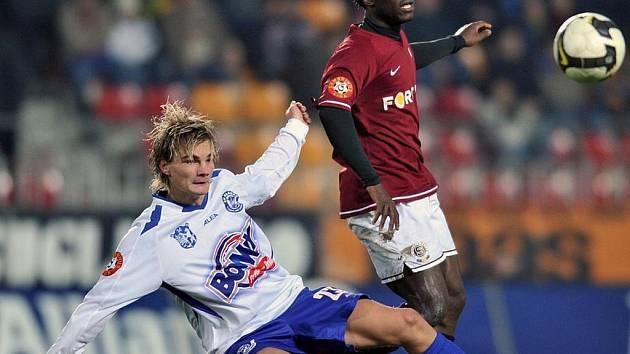 Vítězslav Beneš (vlevo) vstřelil do sítě Plzně druhý a vedoucí gól.