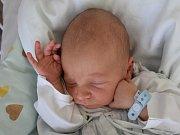 ŠIMON OLEXA, STOCHOV. Narodil se 14. dubna 2019. Po porodu vážil 3,16 kg a měřil 49 cm. Rodiče jsou Veronika Hamouzová a Roman Olexa. (porodnice Kladno)