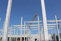 U Kladna staví největší jeden z největších skladů Lidlu v Evropě.
