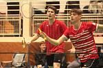 Zleva badmintonisté V. Palán a kladenský Michal Morávek