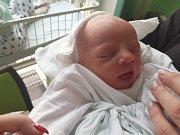 VOJTĚCH LOPOUR, NOVÉ STRAŠECÍ. Narodil se 27. prosince 2017. Po porodu vážil 3,02 kg a měřil 47 cm. Rodiče jsou Kristýna Lopourová a Radek Lopour. (porodnice Kladno)