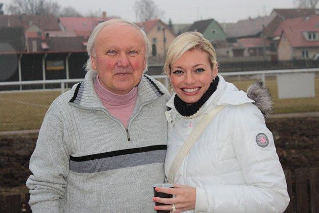 Tuchlovice - Všenory 1:0 (0:0), zápas viděla i moderátorka Televizních novin na TV Nova Lucie Borhyová.