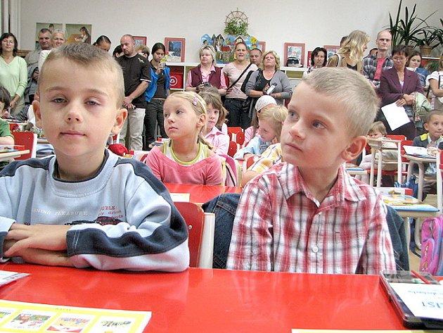 První školní den prvňáčků ve  škole v Amálské ulici v Kladně.