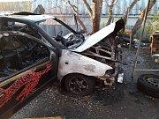 Na silnici u Tuřan se stala vážná nehoda, jiné auto hořelo v Trpoměchách.