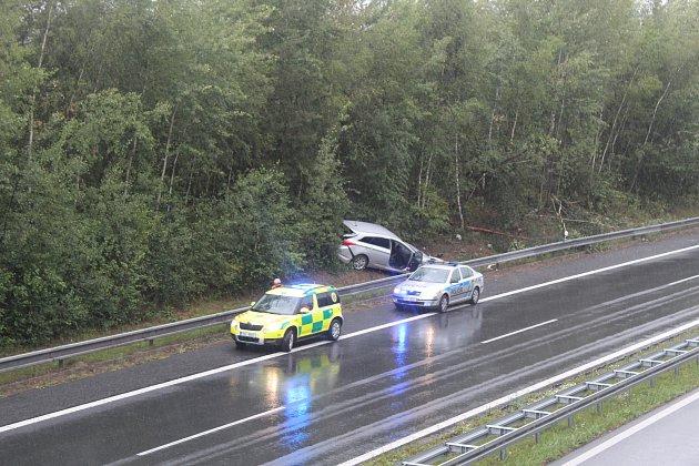 Nehoda uKamenných Žehrovic.