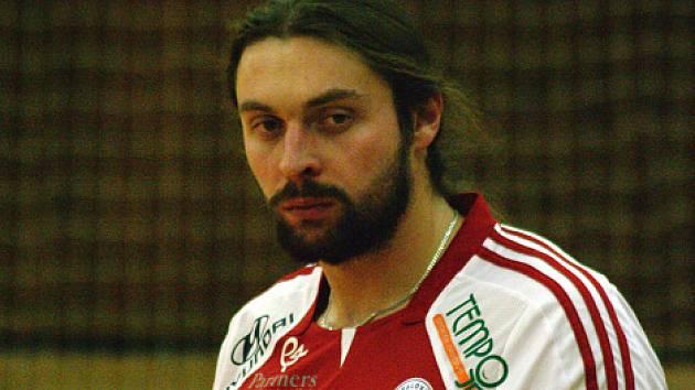 Jakub Rybníček se po deseti letech vrátil do kladenské haly. Na snímku je v dresu Opavy, kterou z Kladna posílil.