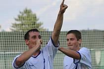 Michal Zachariáš slaví první branku Kladna /31.m/ /// SK Kladno - FC Zenit Čáslav 3:0 (1:0) , 2. kolo 2. liga fotbalu, hráno 8.8.2010